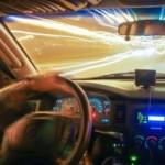 fahren-mit-lichtgeschwindigkeit-autobahn_19-137559